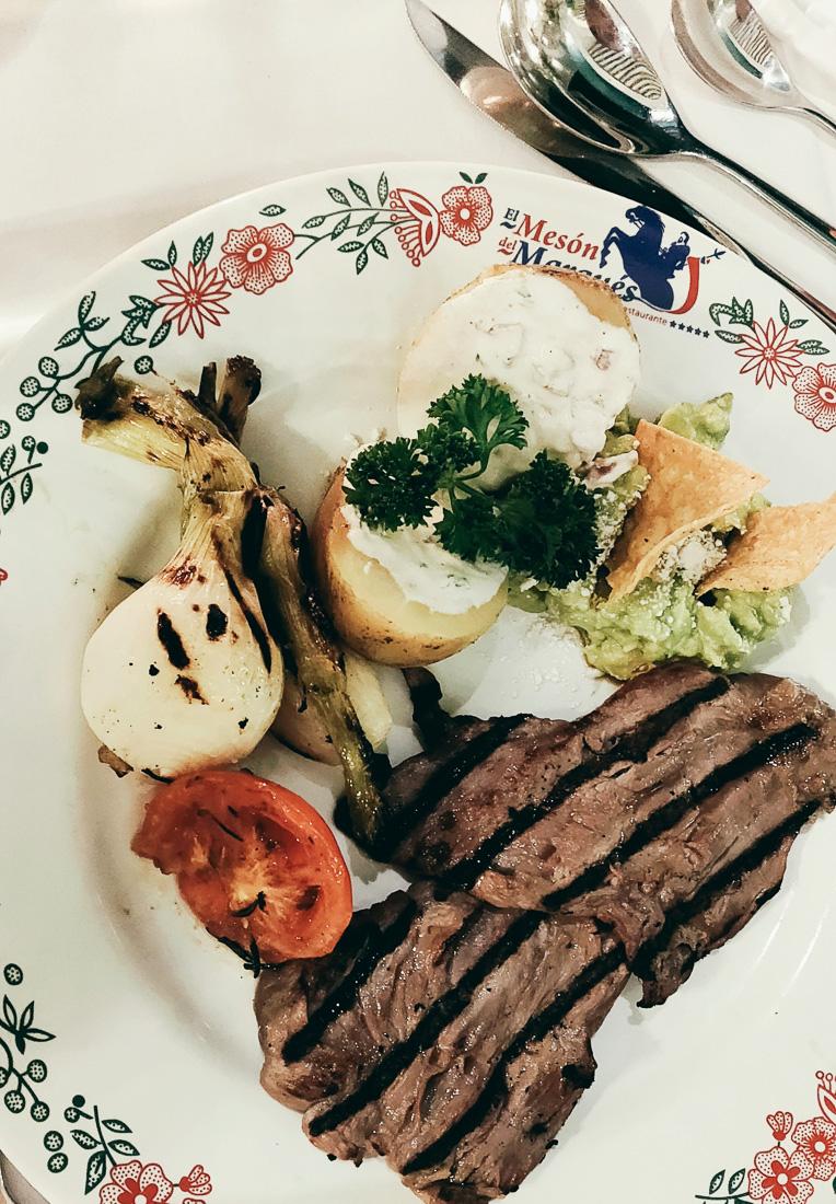 plat au restaurant el meson Del marques