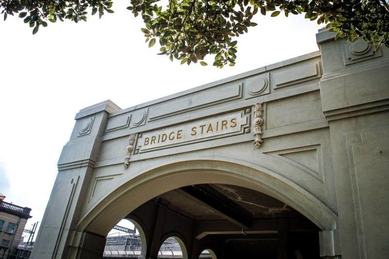 escaliers du Harbour Bridge