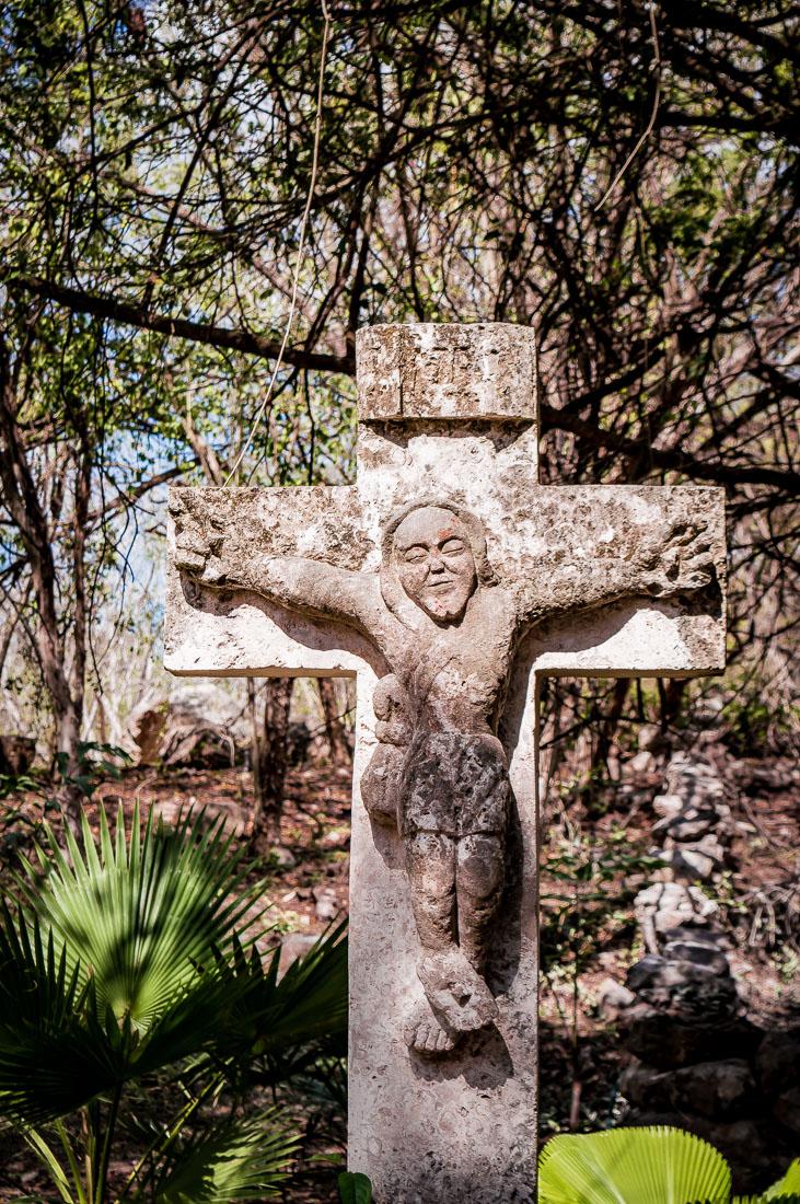 croix de pierre mexicaine