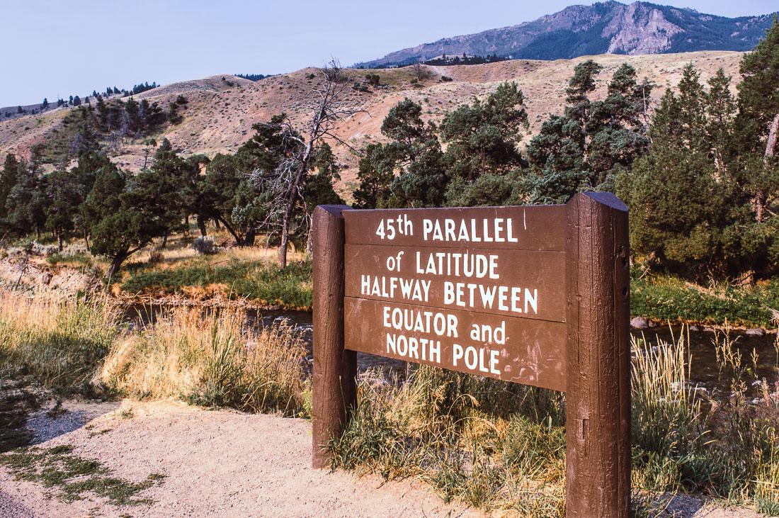 panneau du 45ème parallèle à Yellowstone