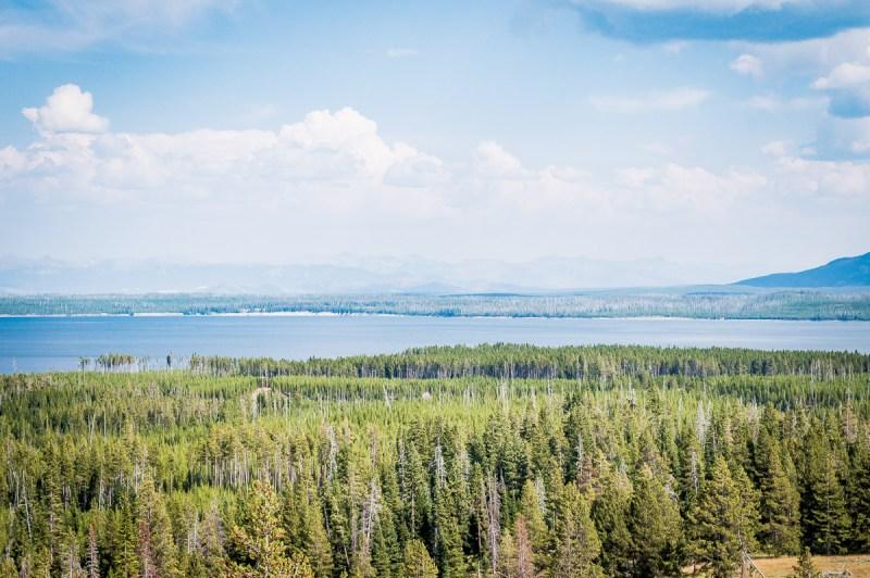 vue sur le lac de yellowstone