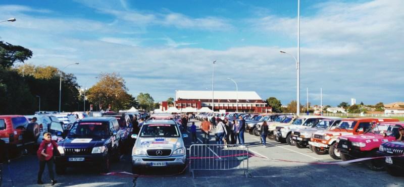parking village départ du Trophée roses des sables