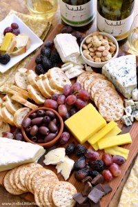 How to Arrange an Easy Cheese Plate
