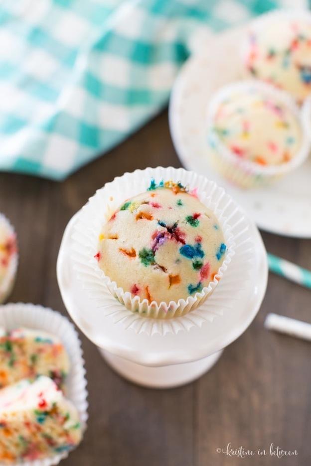 Birthday Cake Whoopie Pie