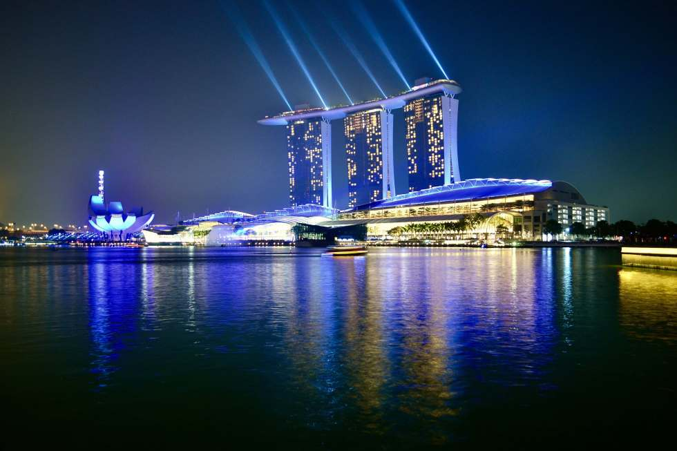 Marina Bay Sands Light Show | Things to do in Singapore | Hello Raya Blog
