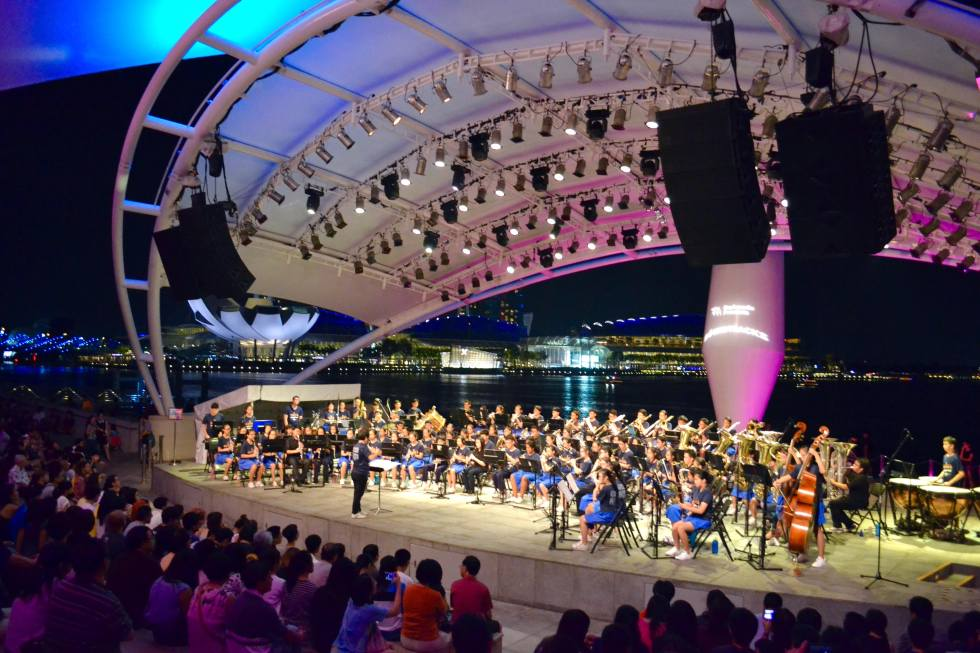 Performance Esplanade | Things to do in Singapore | Hello Raya Blog