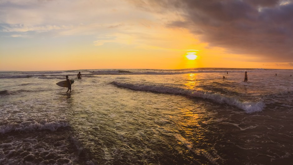 Echo Beach Canggu | Sunset in Bali | Hello Raya Blog