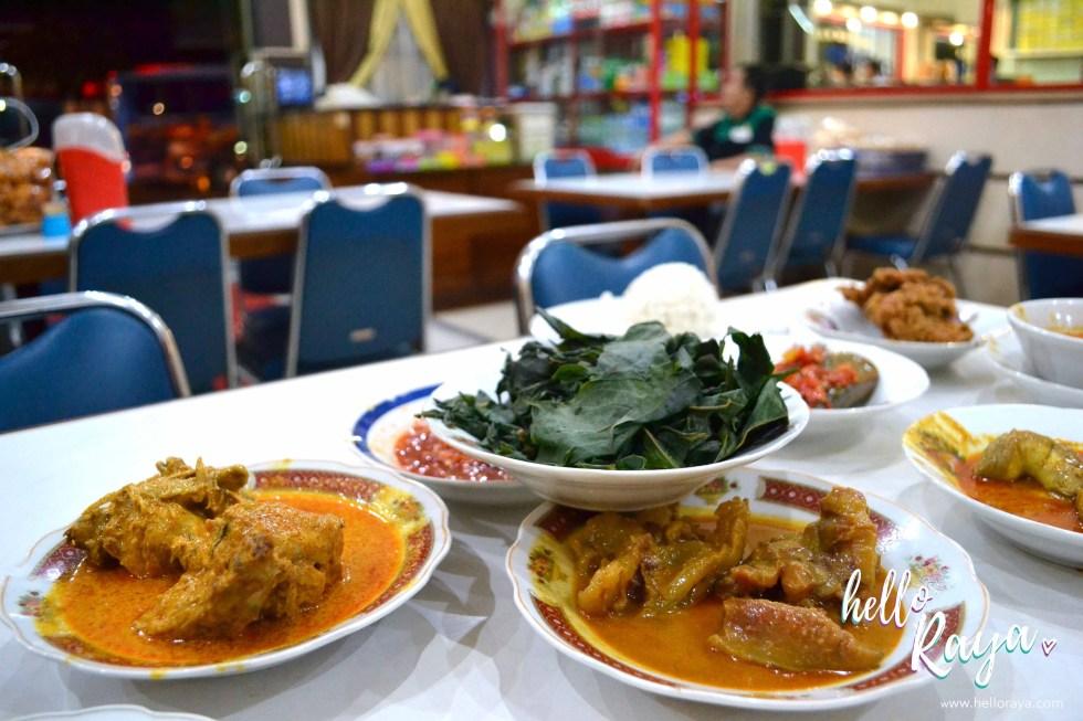 Nasi Padang | Eating in Yogyakarta | Hello Raya Blog