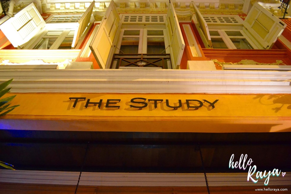 The Library Bar in Singapore - Hello Raya BlogThe Library Bar in Singapore - Hello Raya Blog