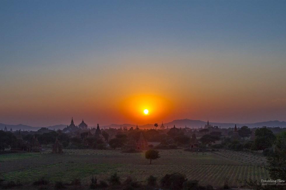 Ultimate Southeast Asia Bucket list - Sunset Bagan | Hello Raya Blog