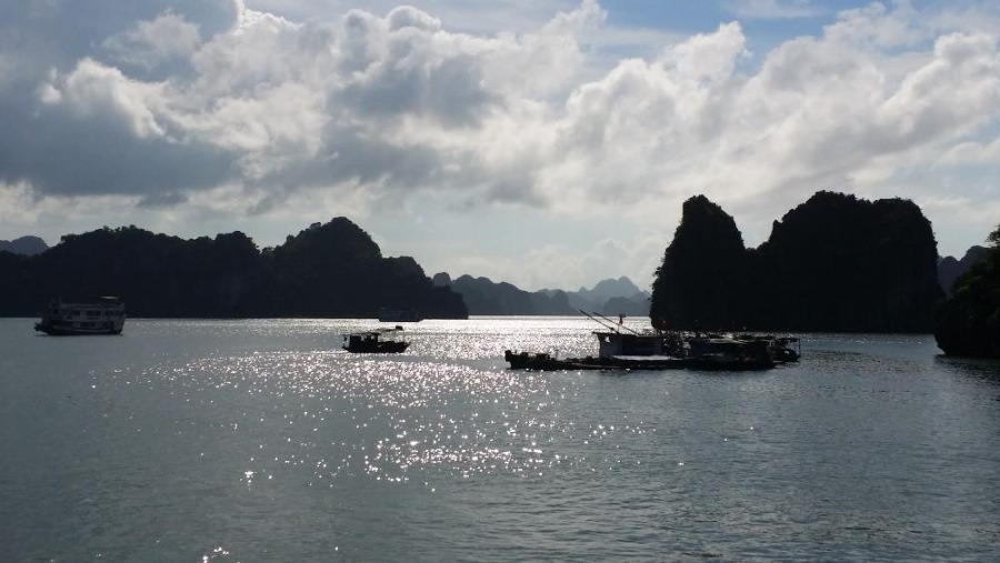 Ultimate Southeast Asia Bucket list - Experiences in Southeast Asia - Halong Bay | Hello Raya Blog