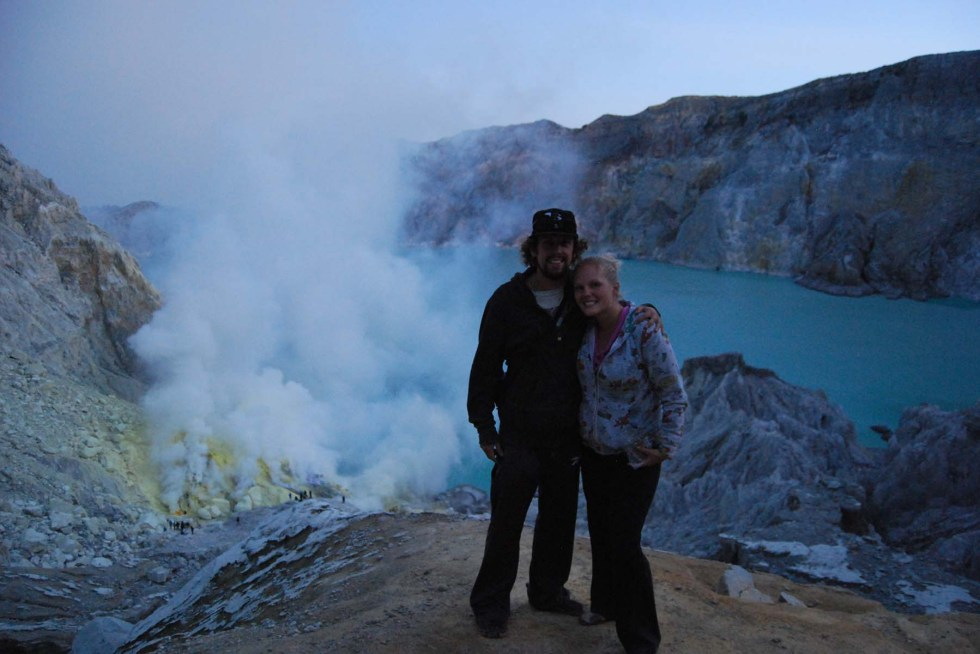 Ultimate Southeast Asia Bucket list - Experiences in Southeast Asia - Kawah Ijen | Hello Raya Blog