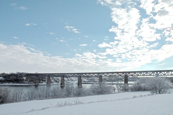 Saskatoon_Bridge_Winter_14.jpg