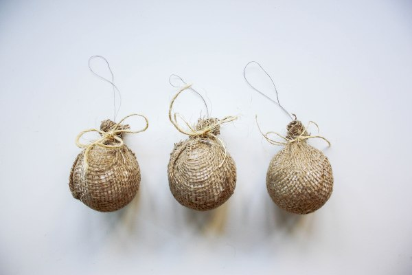 burlap-tree-ornaments-6