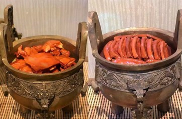 Roasted, deep fried and stewed pork (left) and lamb (right) of Zhou Dynasty