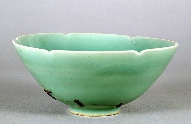 The Art of Fixing Ceramics (Kintsugi) Started With This Metal Stapled Celadon Bowl
