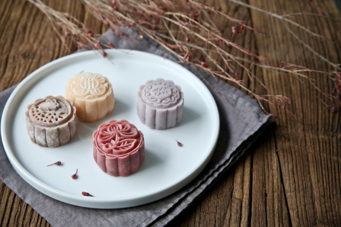 Snow Skin Mooncakes in Different Colors