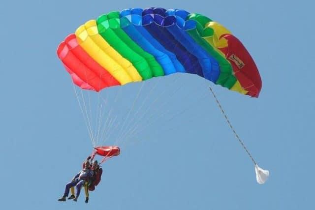Sportiviteit parachutespringen Texel