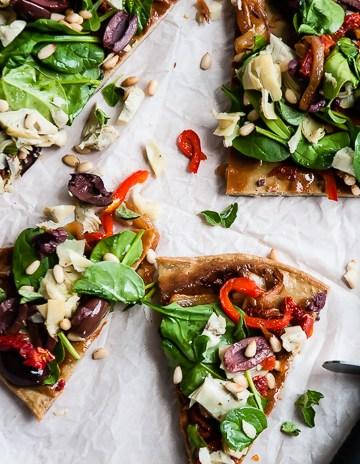 Quinoa Pizza Crust | HelloGlow.co
