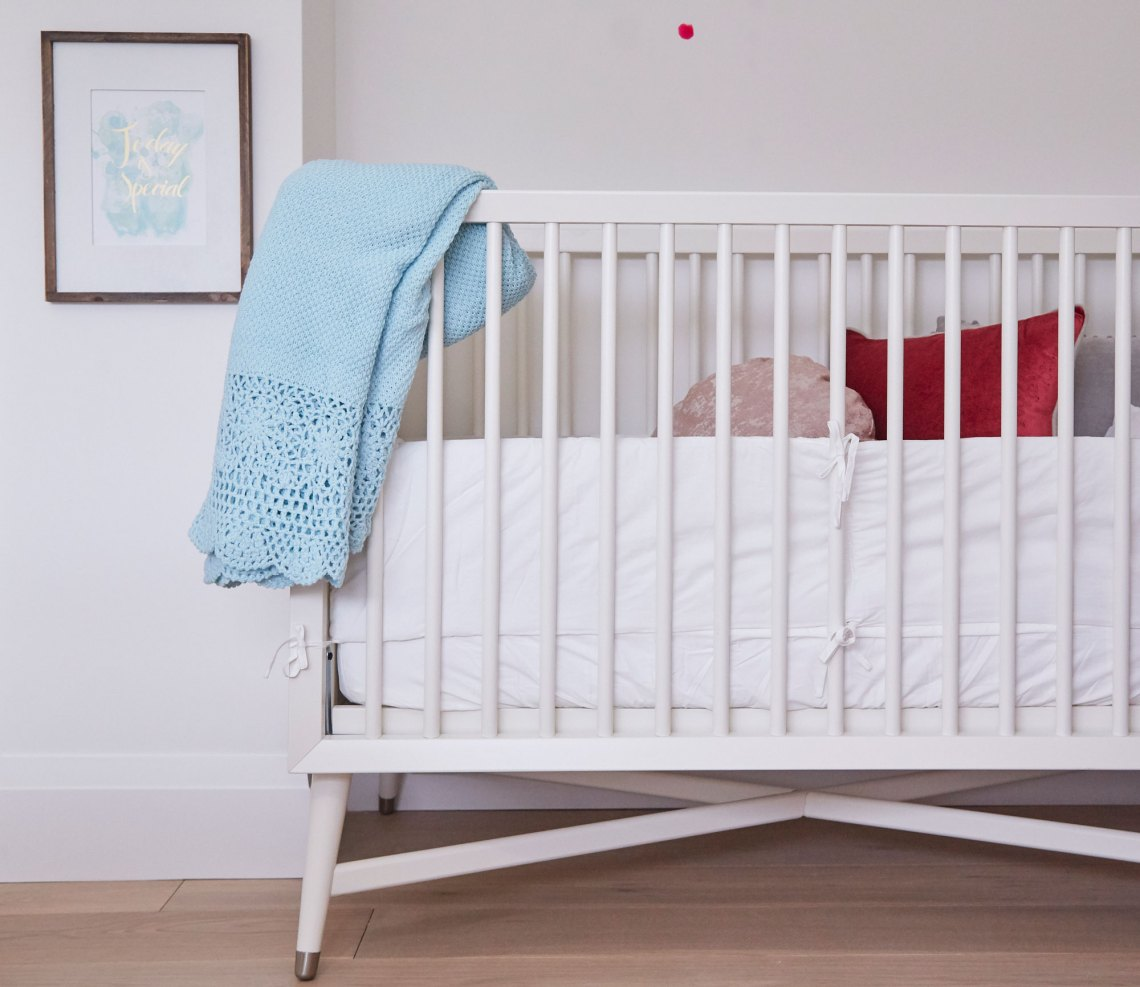 kids' bedroom Home To Win Finley crib