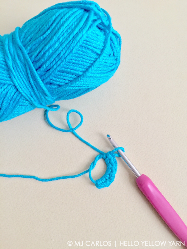 Start crocheting with a MAGIC RING (right-handed) | Amigurumi ... | 800x600