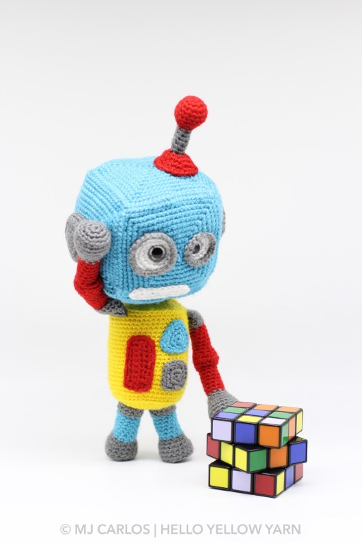 Pattern Overview: Robot from Amigurumi Today | 769x512