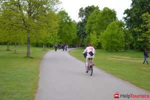 Fahrrad fahren im Hyde Park in London