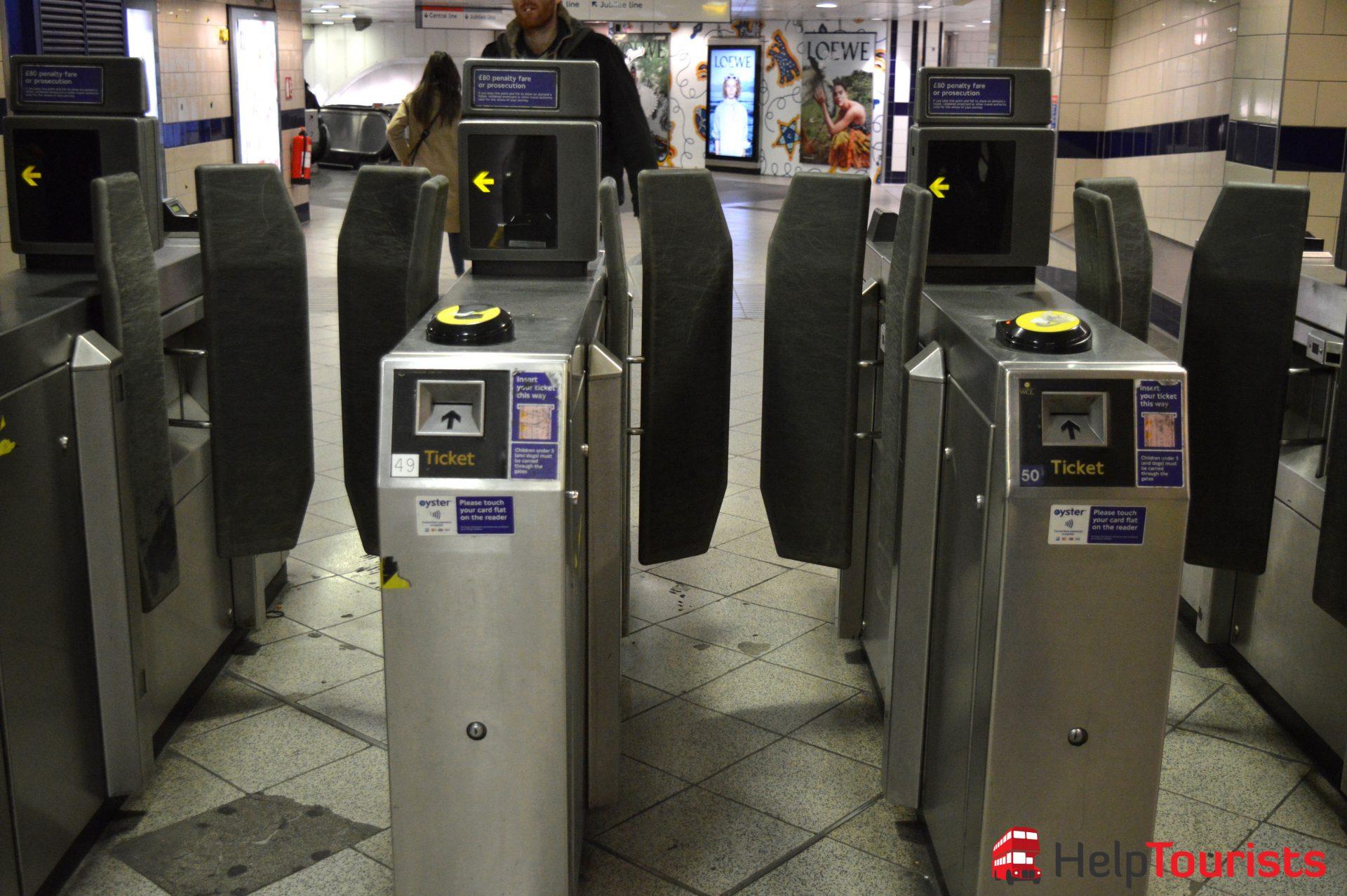 London U-Bahn Schranken