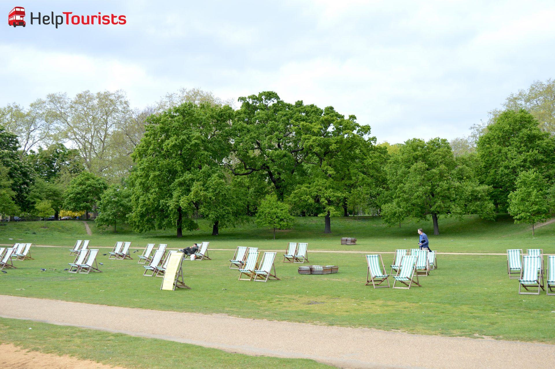 Londoner Hyde Park Liegestühle