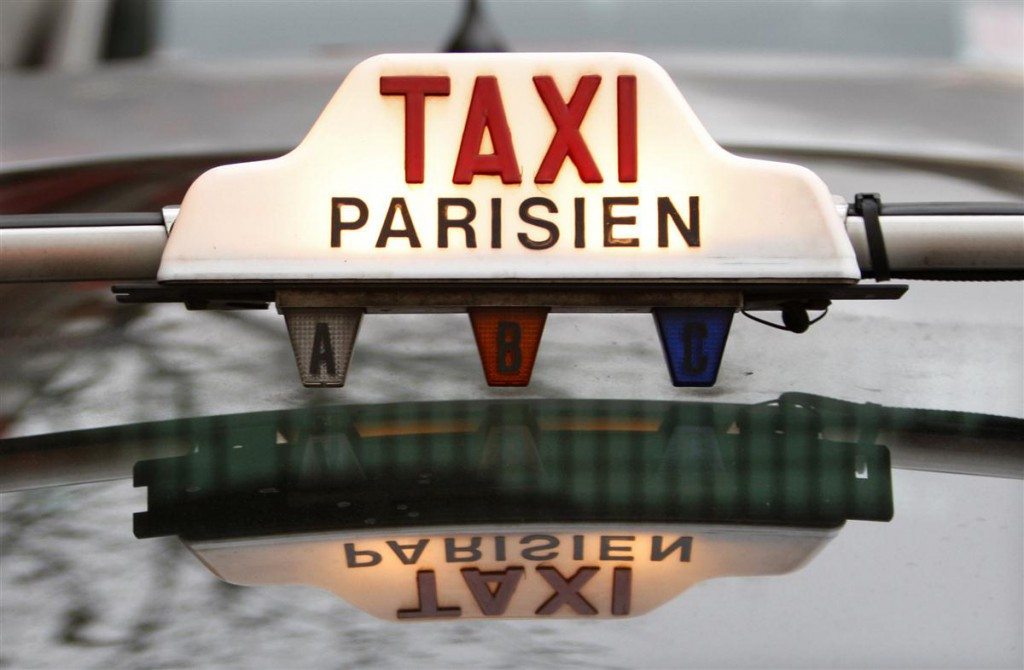 tipps infos zum taxi fahren in paris hier informieren. Black Bedroom Furniture Sets. Home Design Ideas