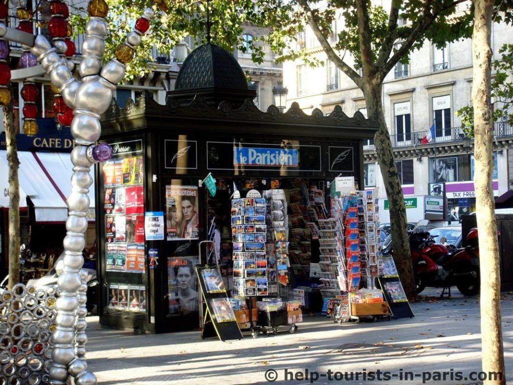 Typischer Zeitungskiosk in Paris