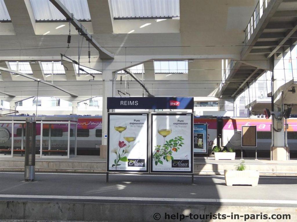 Ankunft am Bahnhof in Reims