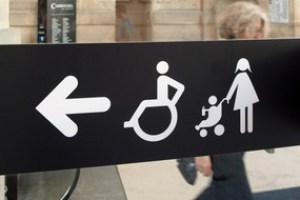 Behindertengerechter Zugang zu Pariser sehenswürdigkeiten