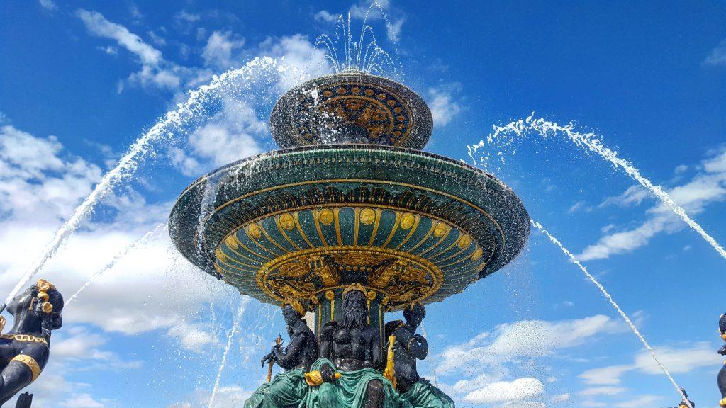 Brunnen auf dem Place de la Concorde Paris
