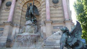 Fontaine Saint Michel in Paris besuchen