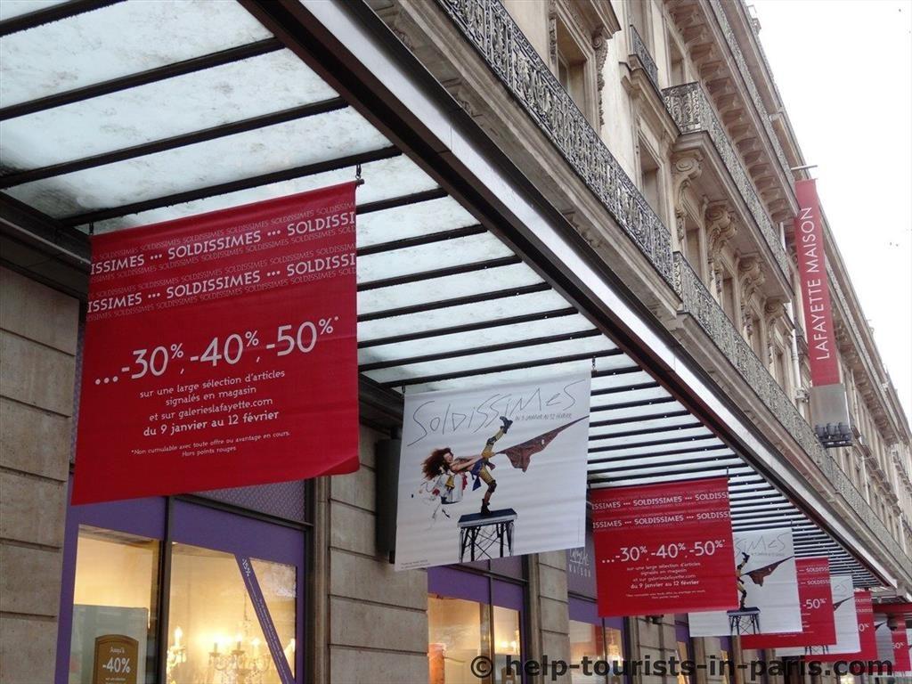 sommerschlussverkauf und winterschlussverkauf in paris touristen in paris. Black Bedroom Furniture Sets. Home Design Ideas