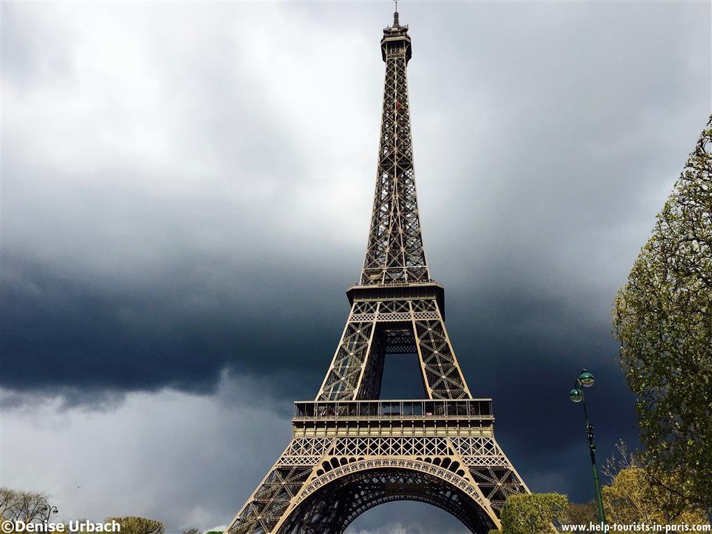 Gewitter am Eiffelturm