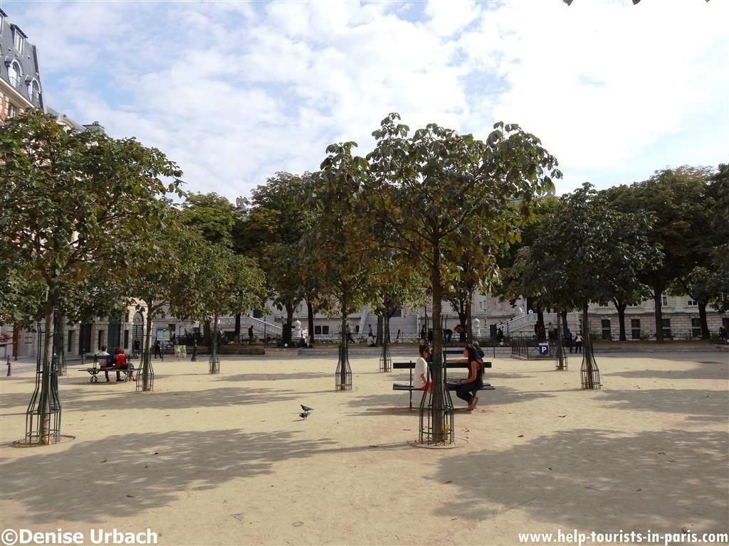 Place Dauphine in Paris