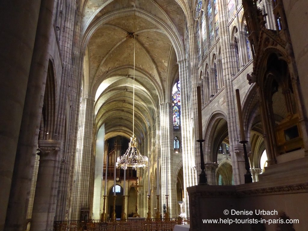 kirchenschiff-basilika-saint-denis-in-paris