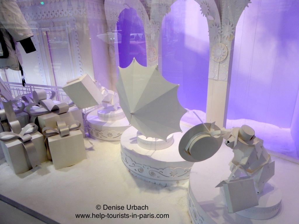 weihnachtlich-geschmueckte-schaufenster-galeries-lafayette-paris-2016