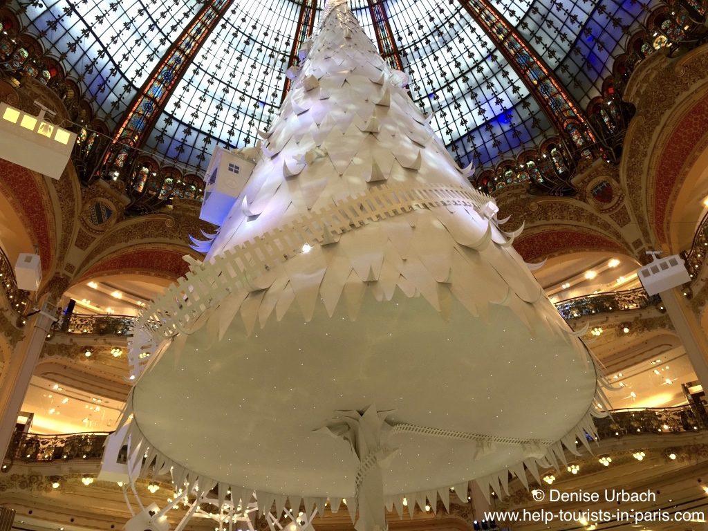 weihnachtsbaum-in-der-galeries-lafayette-2016