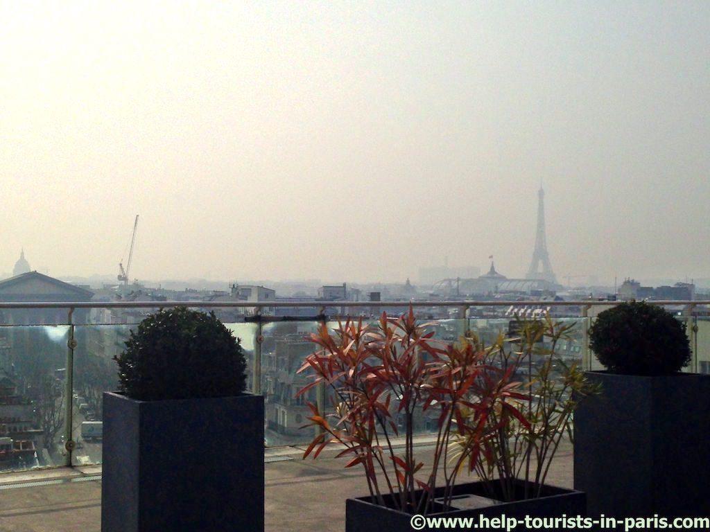paris-und-eiffelturm-im-smog