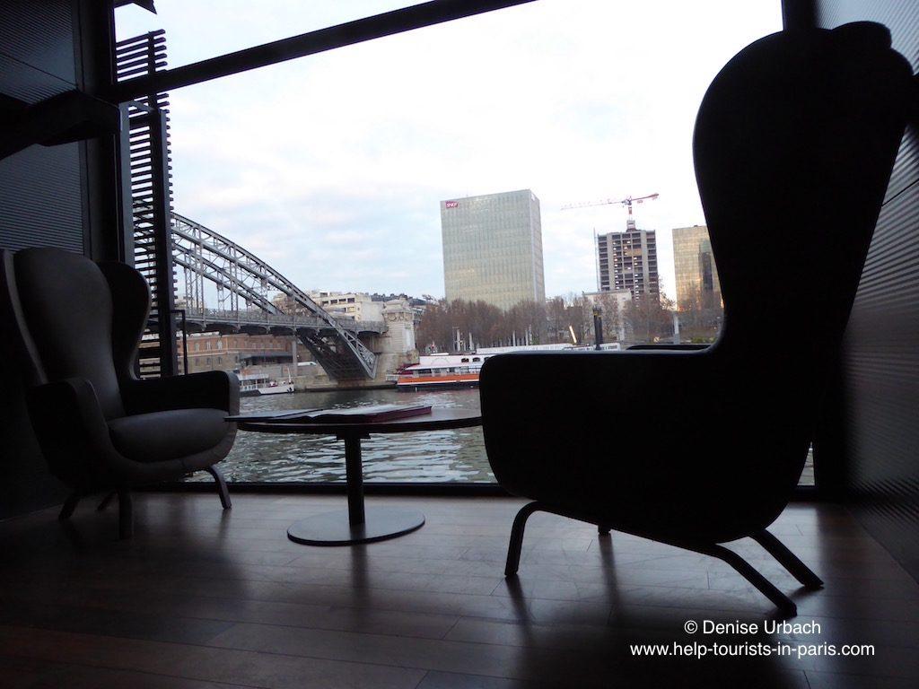 sitzgelegenheiten-off-paris-seine-hotel