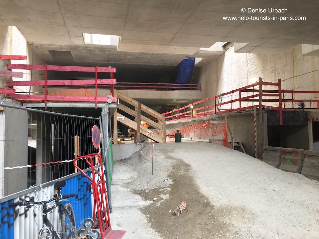 Metro Paris unterirdisch während Bauarbeiten