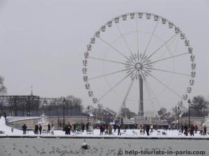 Riesenrad in Paris im Schnee