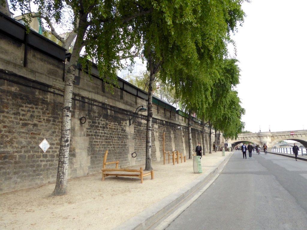 Verkehrsfreie Uferstrassen in Paris