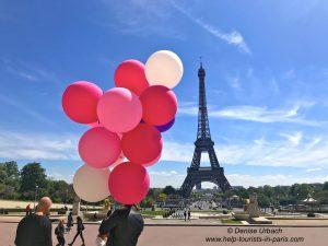 Eiffelturm mit Luftballons