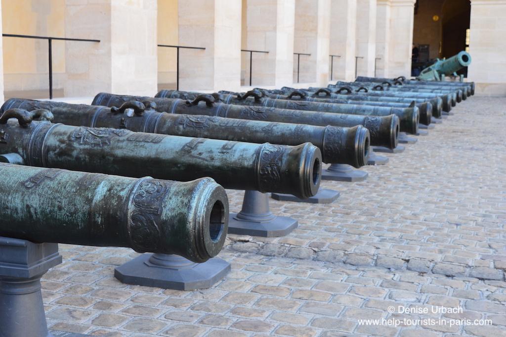 Kanonen Armeemuseum Invalidendom Paris