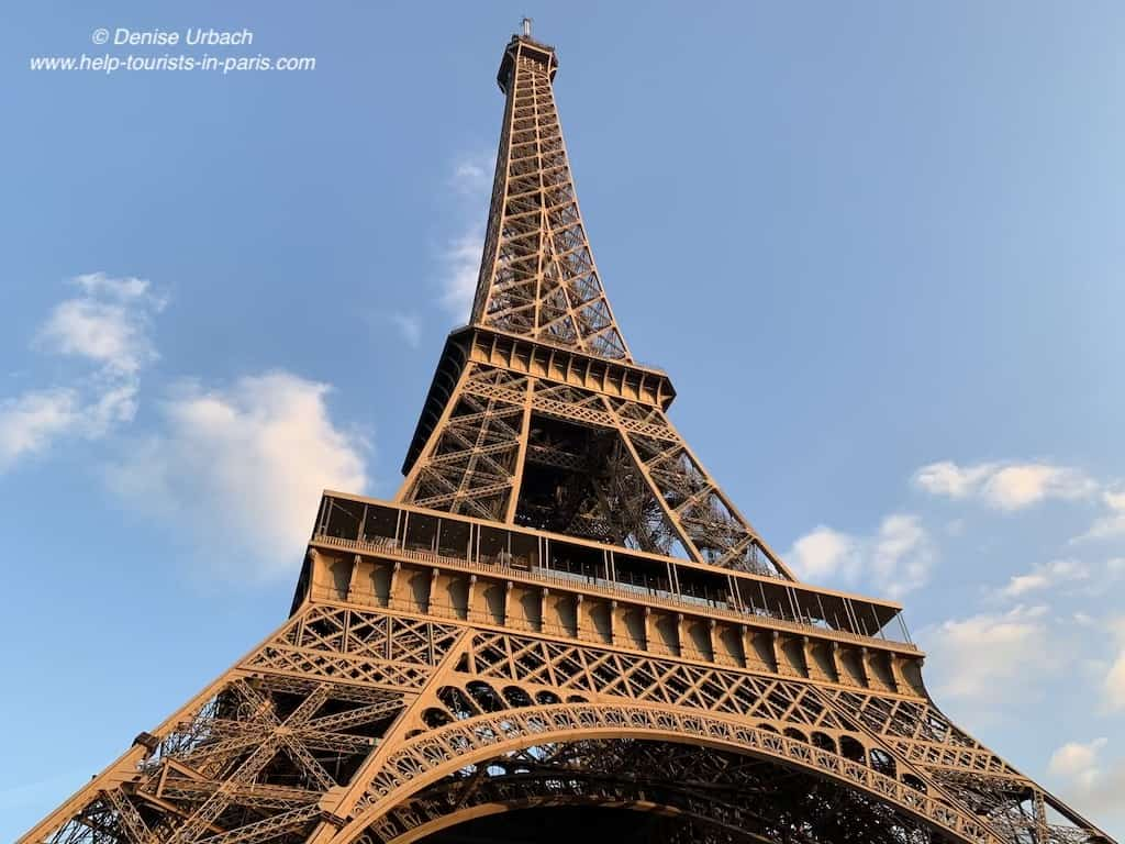 Eiffelturm Paris bei Sonnenuntergang