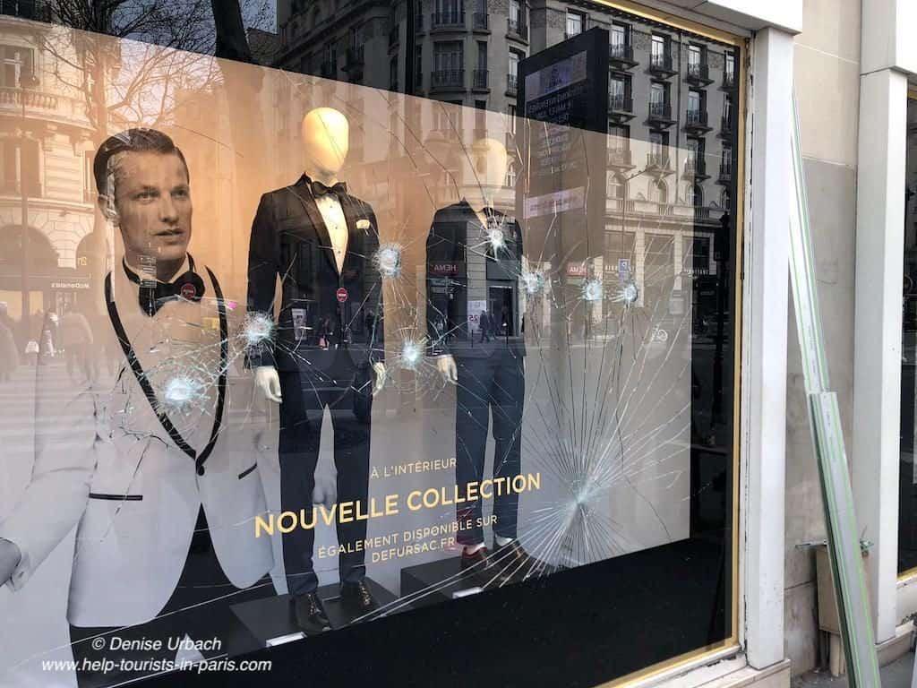 Gelbwesten Demonstrationen beschädigte Geschäfte in Paris